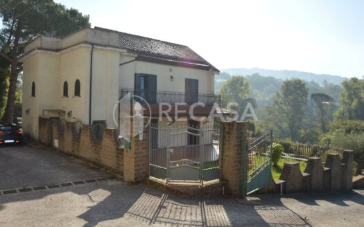 Villa in vendita S. Potito Ultra